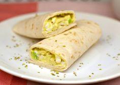 Avokádós tojássaláta wrap | Nor receptje - Cookpad receptek Kfc, Coleslaw, Guacamole, Cake Recipes, Clean Eating, Tacos, Food And Drink, Healthy Recipes, Healthy Food
