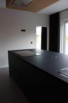 Kookeiland keuken in materiaal Fenix NTM Negro Indigo, extreem mat!
