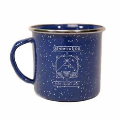 Go back to your camping roots with the GSI USO Enamel Camp Mug. Featuring an adventure-worthy inspired graphic paired with retro campvibes at its finest. The GSI USO Enamel Camp Mug is ready to ramble on.