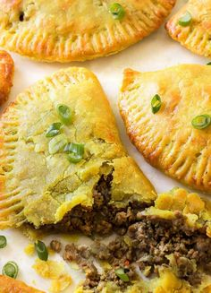 Jamaican Beef Patties (Hand Pies) Thin, flaky and buttery yellow crust with a mighty seasoned beef filling. Make a big batch because these Jamaican beef patties will disappear fast! Jamaican Cuisine, Jamaican Dishes, Jamaican Recipes, Jamaican Appetizers, Jamaican Meat Pies, Guyanese Recipes, Jamaican Beef Patties, Jamaican Patty, Carribean Food