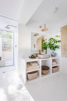 minimalist & natural materials #bathroom #inspiration