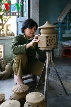 Located in the city of Hoi An in central Quang Nam province, the ancient ceramic village of Thanh Ha has existed for more than 500 years, and has well upheld its traditional craft of making ceramics. Hoi An, Handmade Products, Vietnam War, Camel, Ceramics, Life, Colors, Ceramica, Pottery