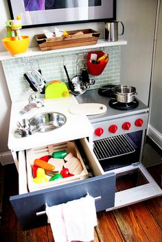 Manly DIY Play Kitchen | IKEA Hackers Clever ideas and hacks for your IKEA