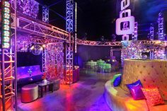 party decorations disco party theme decorations awesome party decoration ideas best about us disco theme . Casino Theme Parties, Casino Party, Party Themes, 70s Party Decorations, Party Centerpieces, Studio 54 Disco, Disco Party, Disco Theme, Themed Outfits