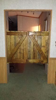 Saloon doors made from wood pallets