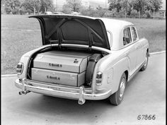 Ponton. Mercedes Benz 1954-1959. First MB with self supporting body.