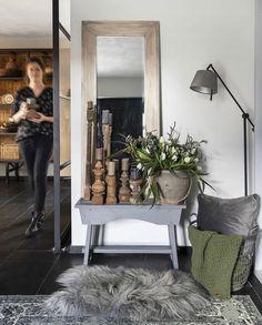 Oversized Mirror, Sober, Furniture, Instagram, Home Decor, Decoration Home, Room Decor, Home Furnishings, Home Interior Design