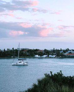 I am watching boats.  Tekneleri seyrediyorum. #PhotobyPetek #boat #boats #barco #barcos #bateaux #boating #bote #barche #船 #yatch #yate #sailing #sailboat #sail #velero #veleros #iate  #clouds #nuvens #nuvole #nubes #nuages #desnuages #sky  #naturelovers #cloudlovers #bulutlar # #shotoniphone #shotoniphone7plus