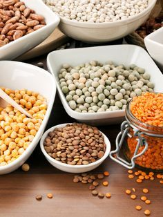 Auf nichts verzichten und 5 kg abnehmen? Das klappt mit Kohlenhydraten, die zufrieden, satt und schlank machen - kombiniert mit eiweißhaltigen Lebensmitteln.
