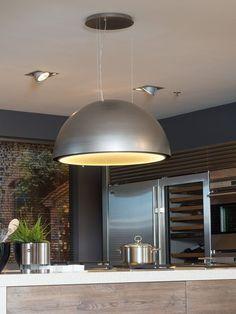 Design afzuigkap boven het kookeiland - Serious Kitchen via Tieleman keukens - keukentrends, inspiratie en ideeën 2016