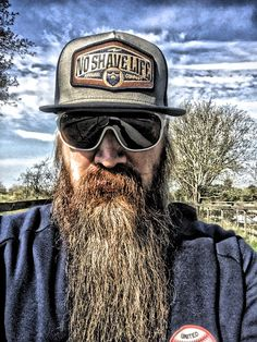 Visit Ratemybeard.se and check out @mack_the_beard - http://ratemybeard.se/mack_the_beard-9/ - support #heartbeard - Don't forget to vote, comment and please share this with your friends.