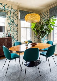 Dine In - A Designer's Home That Takes Wallpaper To The Next Level - Photos