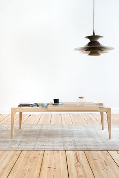 Coffee table R-1378. Minimalist, reduced design by Janusz Rozanski (1962), complementary with the armchair R-1378. Manufactured for the 1st time ever by POLITURA.