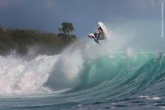 Surf Report June 19, 2015 Surf :7-8 ft Wind: OFFSHORE,SUNNY Next trip: june 22,25 2015 by Fast boat