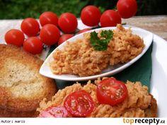 Tatarák - skoro tatarák - z brambor500 g brambor olej 1 ks cibule 2 PL kečupu kmín pepř mletá paprika sladká mletá paprika pálivá 2 PL hořčice worchester sůl Fried Rice, Risotto, Fries, Salads, Toast, Pizza, Chicken, Ethnic Recipes, Food