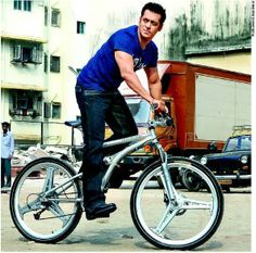 After a long time, we got any authentic news related to Dhoom 4 movie. The news is that Aditya Chopra, himself will direct this part. Salman Khan Wallpapers, Salman Khan Photo, Sajid Khan, Katrina Kaif Photo, Movie Teaser, Francisco Lachowski, Akshay Kumar, Boys Over Flowers, Handsome Actors
