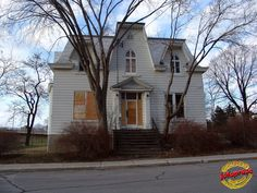 Abandoned House - Berri near Gouin - Ahuntsic SL20090409 084