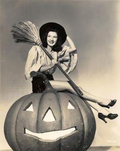 Google Image Result for http://www.halloweenforum.com/members/nightbeasties-albums-vintage-halloween-pin-ups-glamour-gals-picture19398-halloween-glamour-girl-peggy-ryan-1944.jpg