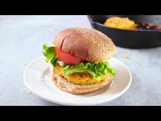 These Buffalo veggie burgers made by blending quinoa and chickpeas with spicy cayenne pepper sauce. Vegan Lunch Recipes, Burger Recipes, Clean Recipes, Veggie Recipes, Vegan Vegetarian, Dinner Recipes, Veggie Food, Vegan Meals, Healthy Dinners