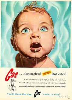 32 Vintage Ads With Disturbingly Creepy Kids and Products 1 Vintage Humor, Funny Vintage Ads, Creepy Vintage, Funny Ads, Vintage Comics, Hilarious, Old Magazines, Vintage Magazines, Old Advertisements