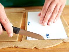 Lebkuchenhaus selber machen - so geht's - hausteile-zuschneiden Rezept