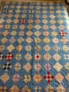 VINTAGE ANTIQUE QUILT PATCHWORK HANDMADE DIAMONDS BLUE MULTI COLOR CUTTER 68X83
