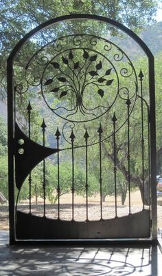 Wrought iron doors are indeed a style from the past. With creativity, you can make your house look more sophisticated with the wrought iron front doors. Metal Gates, Wrought Iron Fences, Wrought Iron Doors, Metal Fence, Corrugated Metal, Garden Doors, Garden Gates, Garden Art, Fence Gates