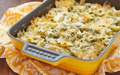 Spinach Artichoke Pasta that is surprisingly good for you with tons of veggies for under 350 calories. Made with a quick homemade sauce using spinach, artichoke hearts, and light cream cheese, this dish has so much flavor and is ready in just 30 minutes. Baked Pasta Recipes, Spinach Recipes, Sauce Recipes, Cooking Recipes, Healthy Recipes, Simple Recipes, Cooking Ideas, Spinach Artichoke Pasta, Spinach Pasta Bake
