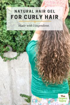 Easy homemade flaxseed hair gel for curly hair. It is made with only one ingredient. Washes off easily and makes your hair look so healthy. It is cheap and a great recipe to create your own high definition curls. Raw Food Recipes, Vegan Food, Homemade Hair Gel, Natural Hair Gel, Healthy Tips, Healthy Recipes, Curly Hair Styles, Natural Hair Styles