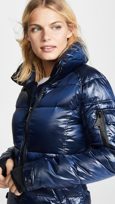 Dress OUTDOOR down stuffed parkas, popular down parkas in plenty of diffrent colors. Nylons, Lace Sneakers, Puffy Jacket, Down Parka, China Fashion, Winter Jackets, Winter Coats, Fashion Forward, Jackets For Women