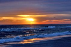 Looking for fun, friendly people who care about the quality of your Anna Maria Island vacation rental experience? Book your beach vacation with confidence. Bradenton Beach, Indian Shores, Holmes Beach, Anna Maria Island, Anna Marias, Sunsets, Florida, Cottage, Vacation