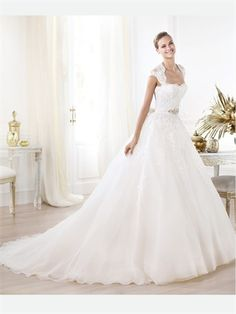 Love the lace top and the back of this dress. White Ball Cap Strap Lace Organza 2014 Wedding Dresses