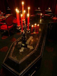 Bilderesultat for vampire goth Vampire Halloween Party, Vampire Party, Theme Halloween, Halloween Decorations, Halloween Candelabra, Halloween Birthday, Gothic House, Victorian Gothic, Gothic Glam