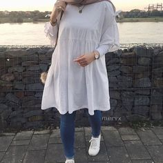 Fashion Hijab Awesome Outdoor Cute – In Hijaber – Hijab Fashion 2020 Modern Hijab Fashion, Street Hijab Fashion, Hijab Fashion Inspiration, Muslim Fashion, Modest Fashion, Fashion Outfits, Stylish Outfits, Hijab Casual, Hijab Chic