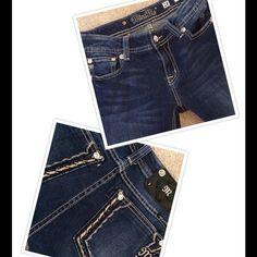 "MissMe jeans MissMe skinny jeans-js5408g...29 1/2"" inseam...Gently worn-good condition.NO TRADES Miss Me Jeans Skinny"