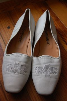 Vintage Yves Saint Laurent YSL White Leather Embroidered Logo Loafers Flats Slip Ons Shoes Size 9 Medium