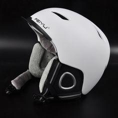 Brand Ski helmet Integrally-molded adjustable Snowboard helmet Men Women outdoor Warm windproof Extreme sport Skating helmet