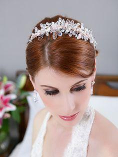 SALE Silver Blush Pink Crystal Flower Hair Crown door GildedShadows