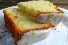 Dica de hoje: Bolo de Limão com Iogurte! Ingredientes: 2 colheres de manteiga ¾…