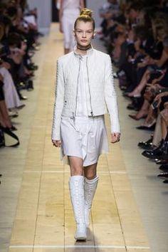 Défilé Christian Dior printemps-été 2017, Paris - Look 6.