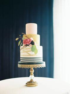 Wedding Cake Display | 21c Weddings | 21c Lexington