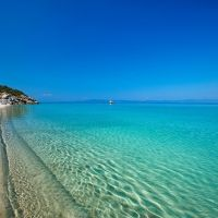 Want to go to an off the beaten path location with white sand beaches, amazing food, and friendly locals? Here are six reasons to visit Halkidiki, Greece. Napoleon Hill, Places In Europe, Places To See, Greece Resorts, Greece Wallpaper, Halkidiki Greece, Hotels, Greece Holiday, Most Beautiful Wallpaper