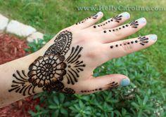 Beautiful flower henna design
