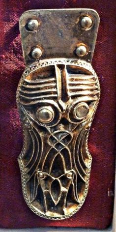 Anglo Saxon Clothing, Ancient Scripts, Ancient Jewelry, Viking Jewelry, Norse Vikings, Viking Age, Iron Age, Norse Mythology, Medieval Art
