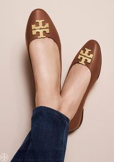 852dd01e1987 On Point  The Tory Burch Raleigh Shoe Collection Tory Burch Flats