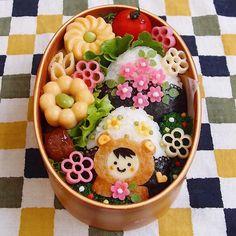 今日の旦那さん弁当。 色んなものごちゃごちゃ入れ過ぎました。  蒸し卵せっかく綺麗に作れたのに、お弁当箱に上手く入れる事が出来ないです…