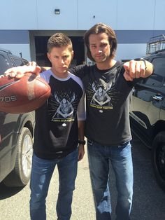 kansastexas: Jensen & I want YOU to #AlwaysKeepFighting!12,000 sold already…get yours while you can:represent.com/jaredA portion of proceeds goes to a fund that we've set up to help causes such as mental illness, depression, anxiety, and addiction.