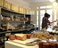 ✖ Rose Bakery (Brunch) Salon de thé, cantine bio et café-épicerie 46, rue des Martyrs 75009 Paris Métro : 2, 12 - Pigalle Jour(s) de fermeture : Lundi Prix carte : 20 € / 25 € +33(1)42821280
