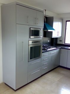Kitchen with Pantry, Built-in Oven,Microwave and CookTop