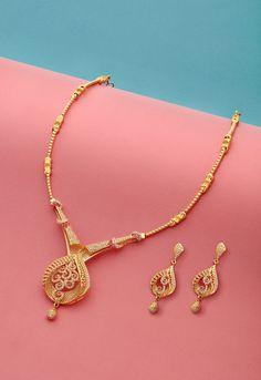 Jewelry Diy Gold Product Photography - Paper Craft on Behance. Jewelry Diy Gold Product Photography - Paper Craft on Behance Jewelry Design Earrings, Gold Earrings Designs, Indian Jewelry Earrings, Necklace Designs, Bridal Jewelry, Bead Jewellery, Glass Jewelry, Fancy Jewellery, Rock Jewelry